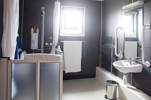 An Acarsaid Accessible Ensuite